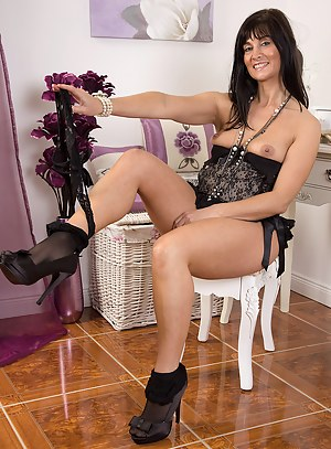 Sexy Glamour Moms Porn Pictures