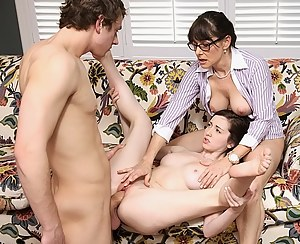 Sexy Moms Threesome Porn Pictures