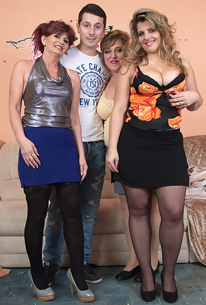 Sexy Moms Foursome Porn Pictures