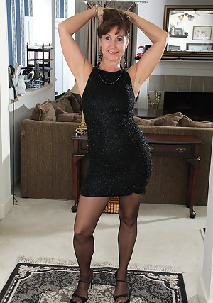 Sexy Moms Stockings Porn Pictures
