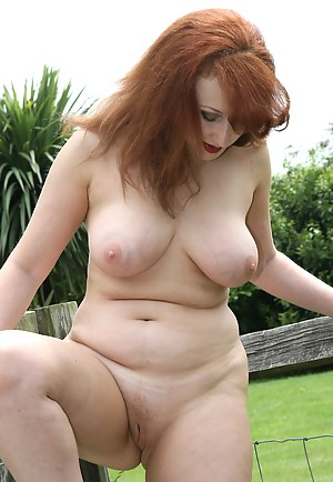 Sexy Redhead Moms Porn Pictures