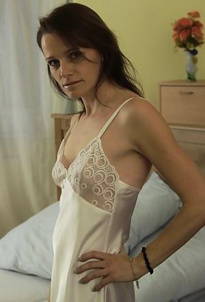 Sexy Amateur Moms Porn Pictures